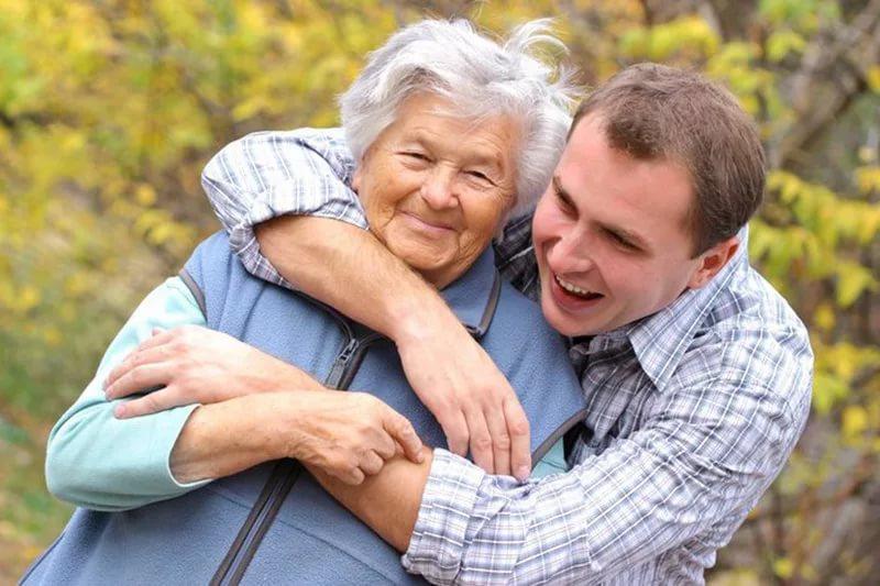 24-stunden-betreuung-seniorenbetreuung-altenpflege-kosten-erfahrung-agentur-regen.